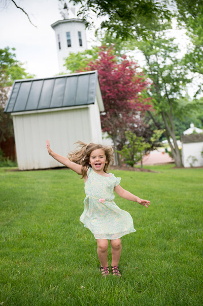 little girl jumping photography