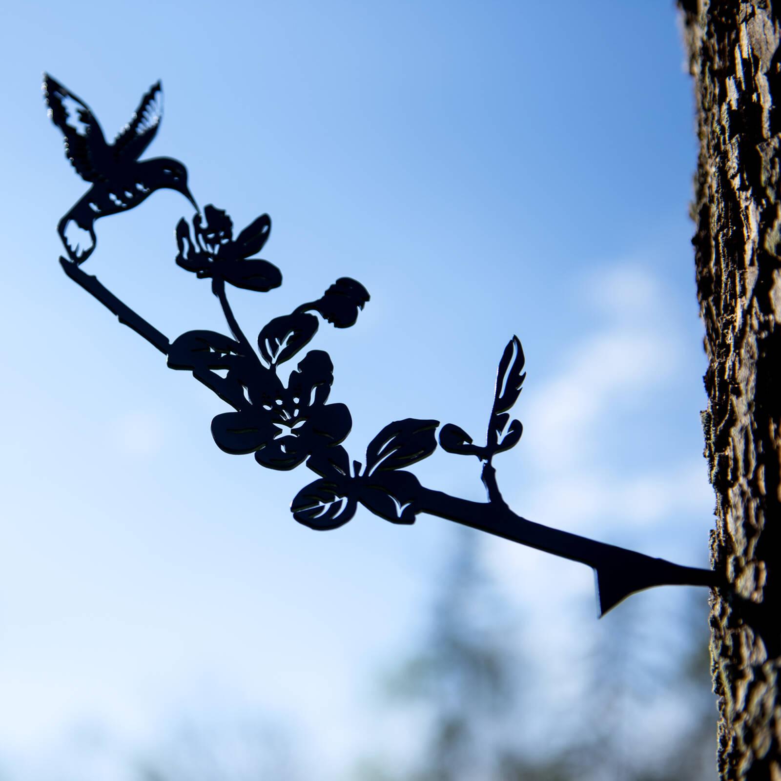 Metal hummingbird yard decor product photo for amazon photographed by Robintek Photography